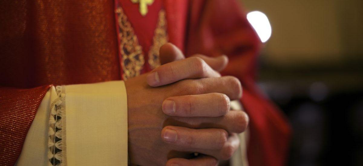 Biskup może nałożyć na Ciebie podatek pod rygorem ekskomuniki