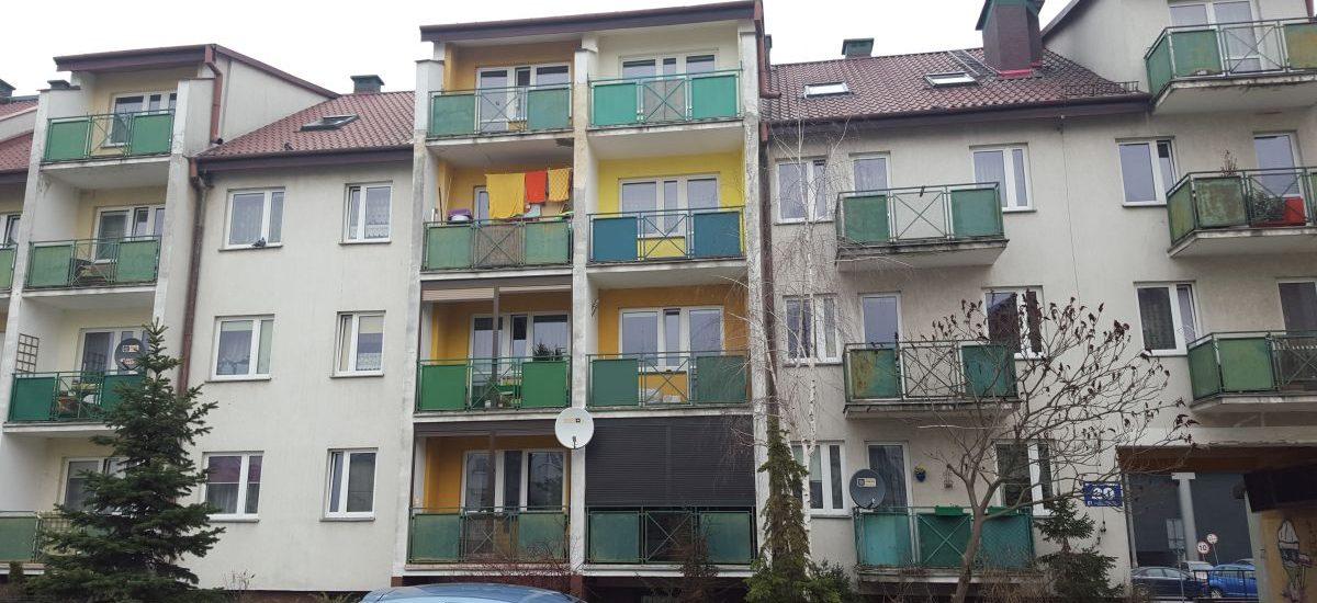 Raczej nie możesz samemu pomalować swojego balkonu w bloku, choć sprawa jest dyskusyjna