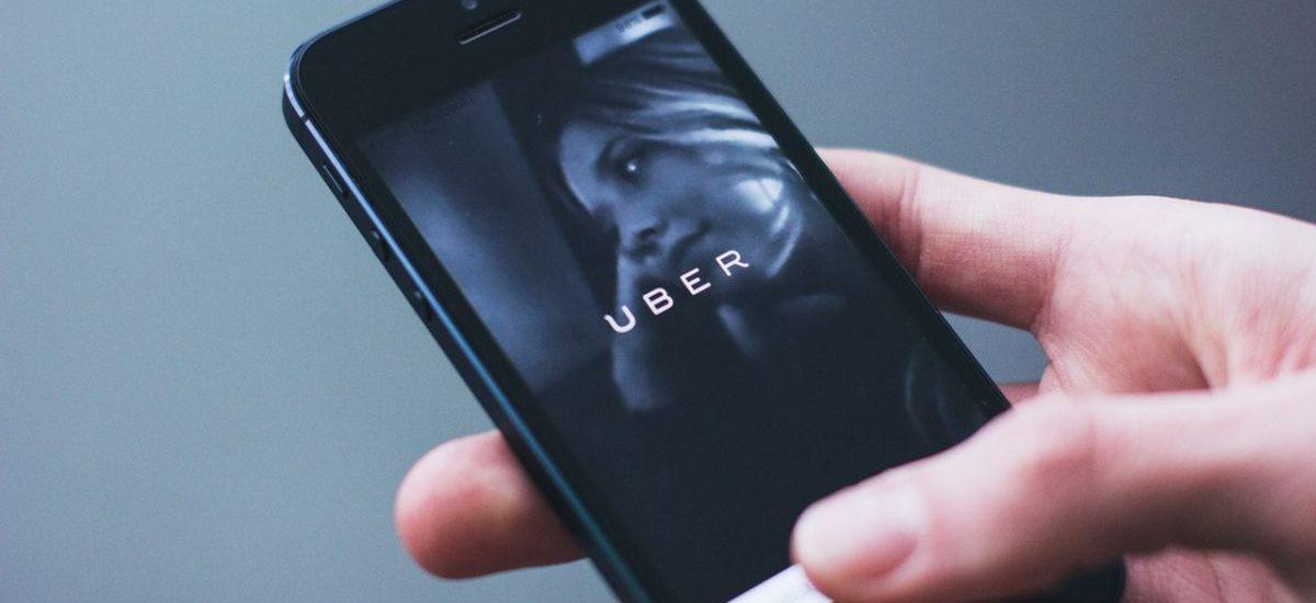 Uber teraz także międzymiastowo? Wkrótce przewiezie nas z Łodzi do Warszawy (i vice versa)