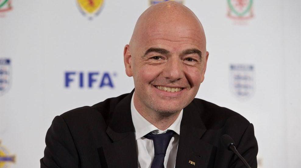 Wystarczyło wymienić prezesa FIFA. WRESZCIE, powtórki wideo dla sędziów piłki nożnej