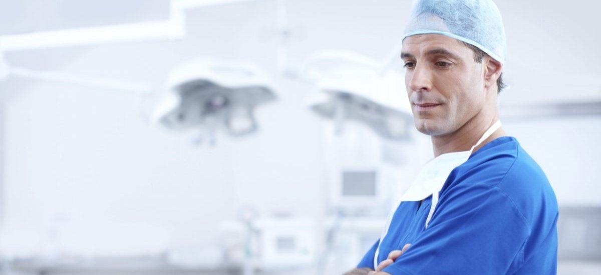 Leczenie na odległość w końcu legalne – kardiolog pomoże nam przez Facebooka?
