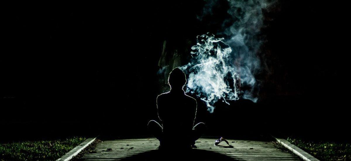 Palenie e-papierosów w miejscach publicznych zabronione od 20 maja