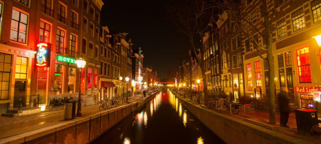 Ostatni gasi światło. Czy holenderskie Dzielnice Czerwonych Latarni przestaną istnieć?