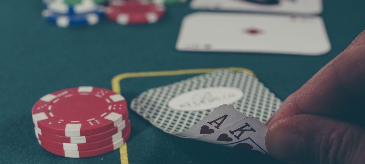 Poker i bukmacherzy znów legalni? Rząd Beaty Szydło naprawi hazardowego bubla