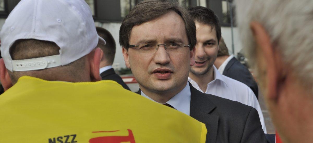 Minister Ziobro sięchwali, Bezprawnik sprawdza – pół roku rządów za nami