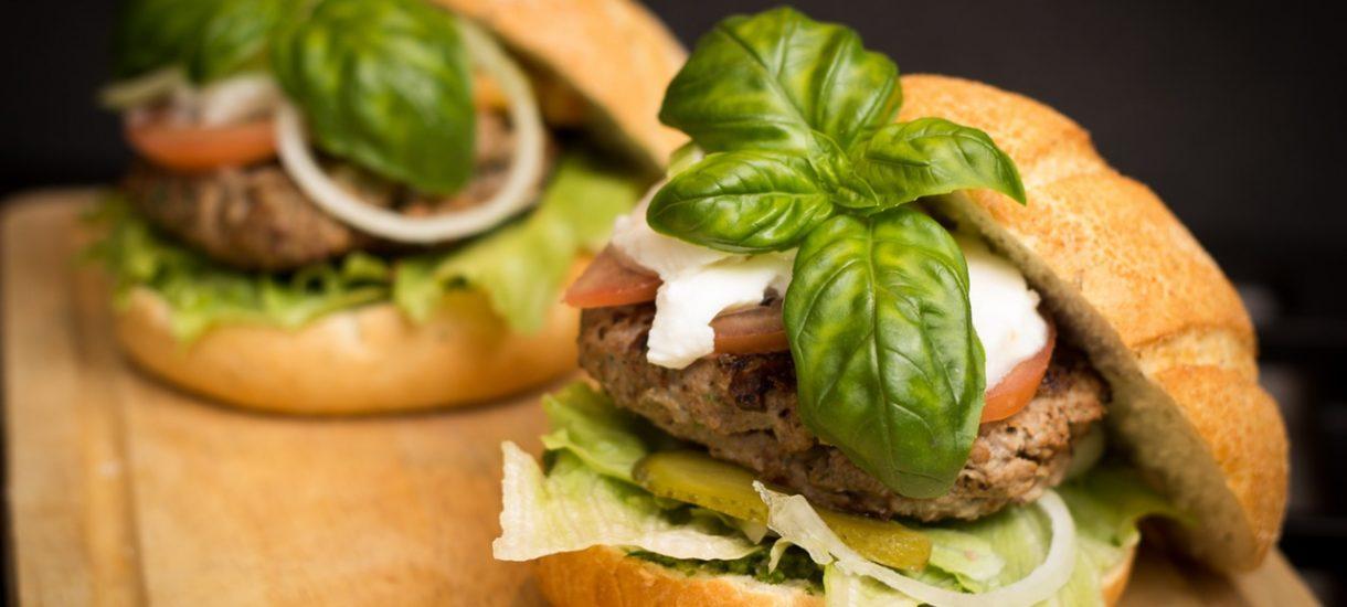 Wegańskie burgery kontra związki zawodowe, czyli wojna o Krowarzywa