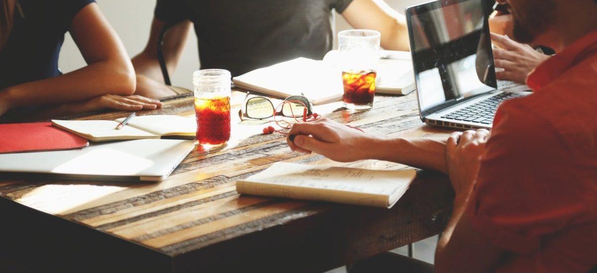 Jak szybko zarejestrować spółkę z o.o. – poradnik w kilku krokach