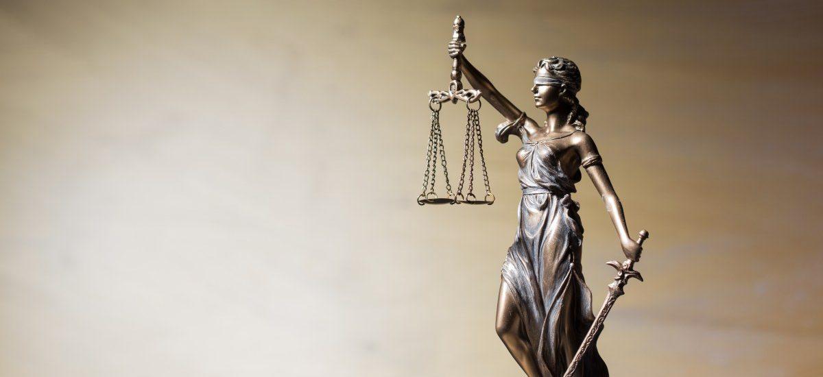 O co chodzi w zamieszaniu o sędziowskie nominacje? Kto ma rację? Prezydent czy sędziowie?