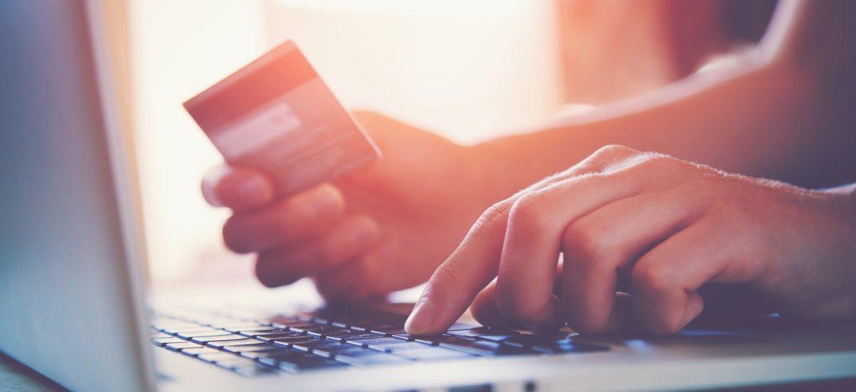 Jedenaste: nie będziesz płacił cudzą kartą płatniczą