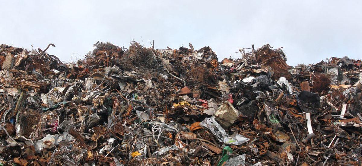 Łódź myła śmieci, Wrocław zabrania wyrzucania ubrań