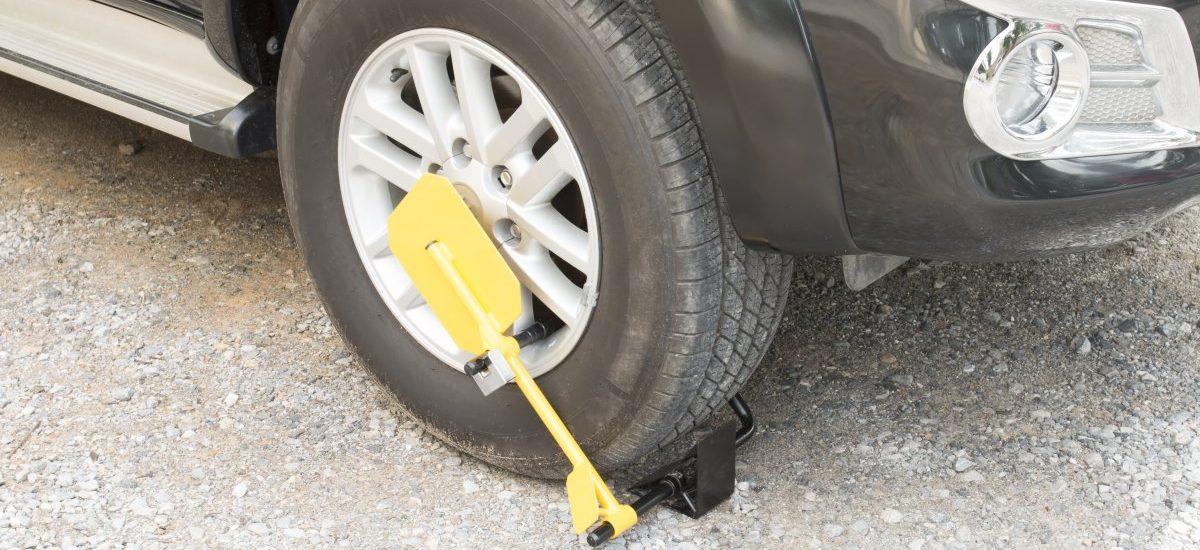 Rzecznik Praw Obywatelskich kontra blokady kół samochodów