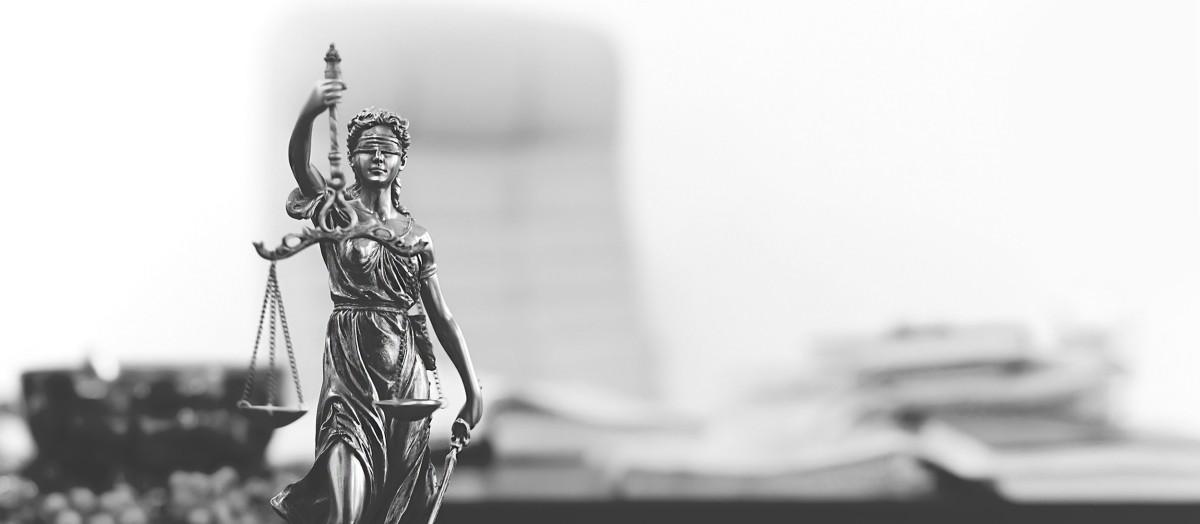 Czy wkrótce adwokaci staną się urzędnikami?