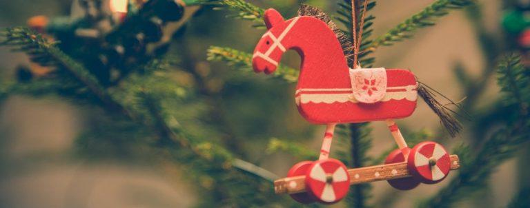 Co zrobić z choinką po Świętach? Kiedy rozbieramy choinkę? Czy mogę wyrzucić choinkę na śmietnik?