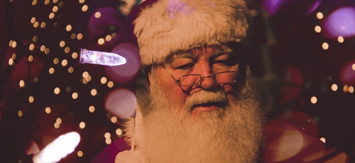 Kto przynosi Wam prezenty? Św. Mikołaj, Gwiazdor, Aniołek, Dzieciątko czy może Dziadek Mróz?