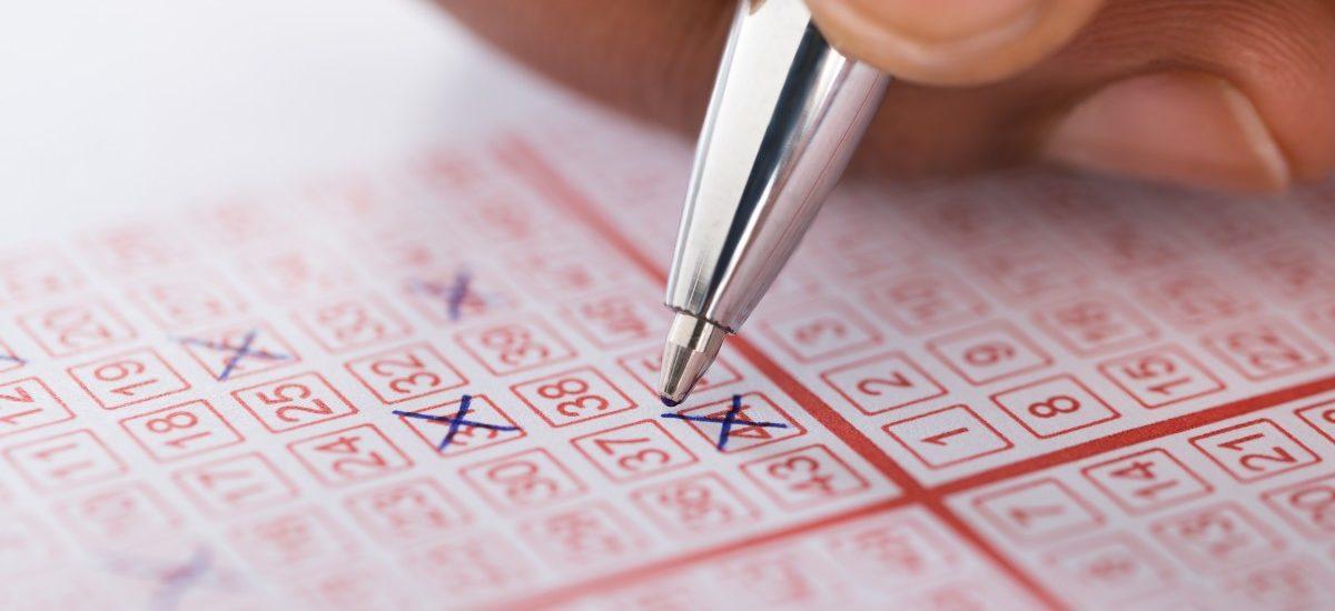 Już wiemy po co fałszywemu profilowi Lotto na Facebooku armia głuptasów – będą zarabiali na ich SMS-ach