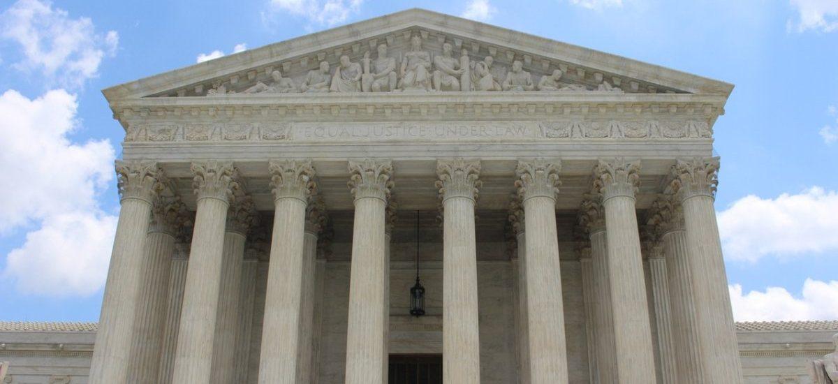 Trybunał Konstytucyjny oficjalnie stał się wydmuszką po tym, jak dziś podzielił obywateli na lepszych i gorszych