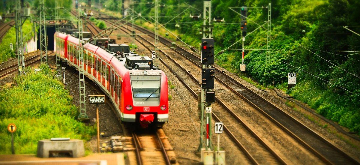 Poznajcie najnieszczęśliwszą osobę w Polsce – oto Rzecznik Praw Pasażera Kolei