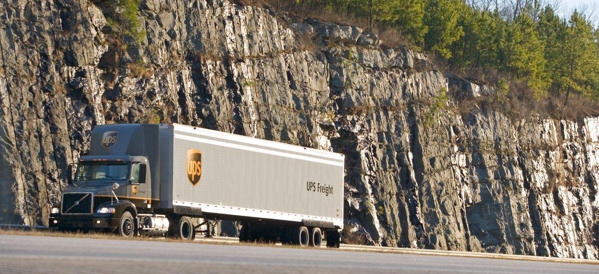 Kurierzy UPS skręcają w prawo