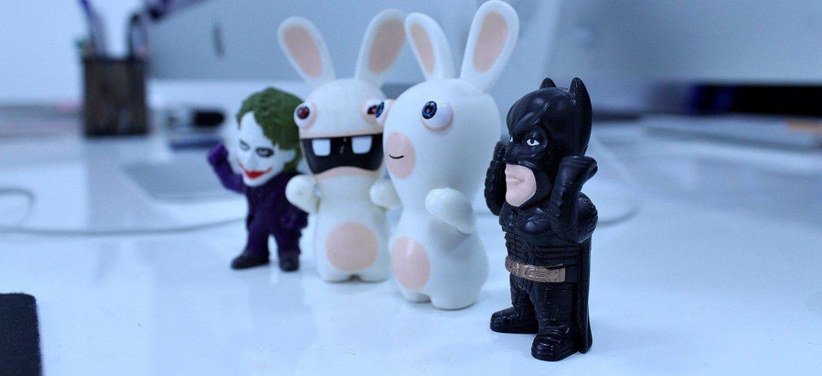 ZUS jak Batman: choć bogaty, to bezinteresownie pomaga obywatelom i zyskuje ich szacunek