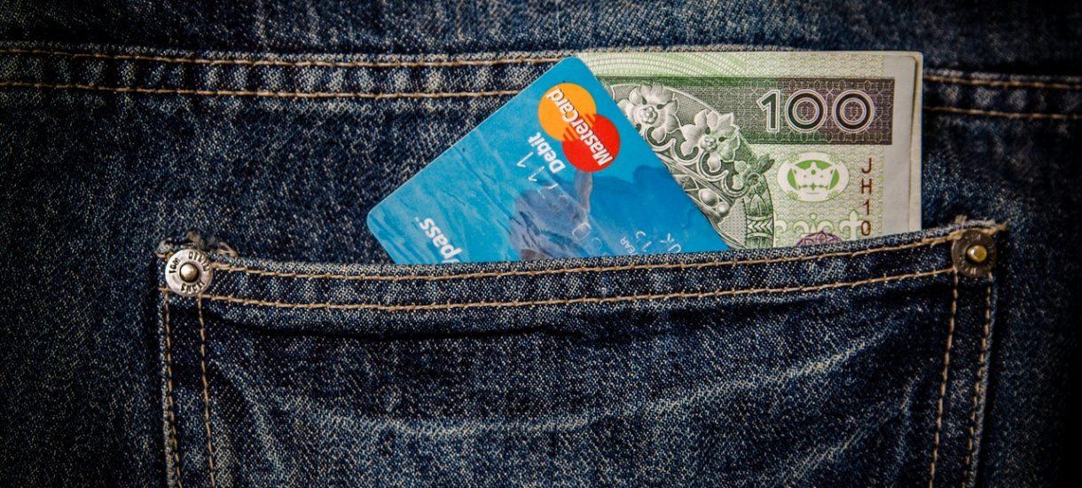 Lepiej nie płać cudzą kartą zbliżeniową. To kradzież z włamaniem… jak napad na bank – orzekł Sąd Najwyższy