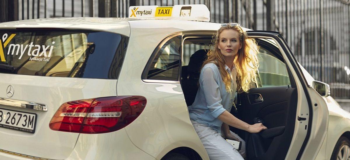 Szukanie parkingu na 2 tygodnie nie ma sensu. Aplikacja mytaxi zabierze na dworzec i lotnisko za półdarmo