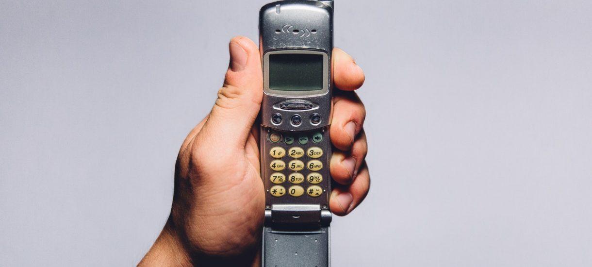 Zanim kupisz iPhone X, zastanów się co zrobisz ze swoim starym telefonem. Oddasz go do muzeum?