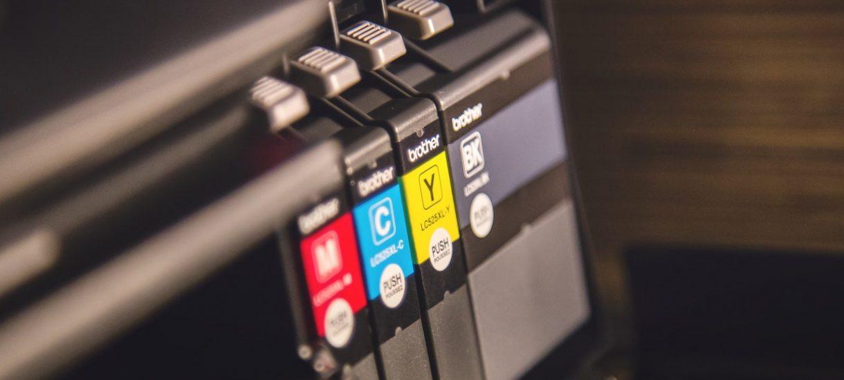 Wasza prababcia sprawniej kupiłaby drukarkę, niż urzędnicy w tej konkretnej historii…