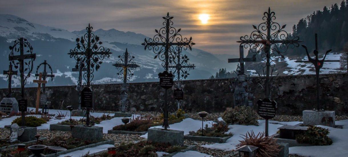 Jak znaleźć grób na cmentarzu? To akurat jest banalne odkąd mamy internet