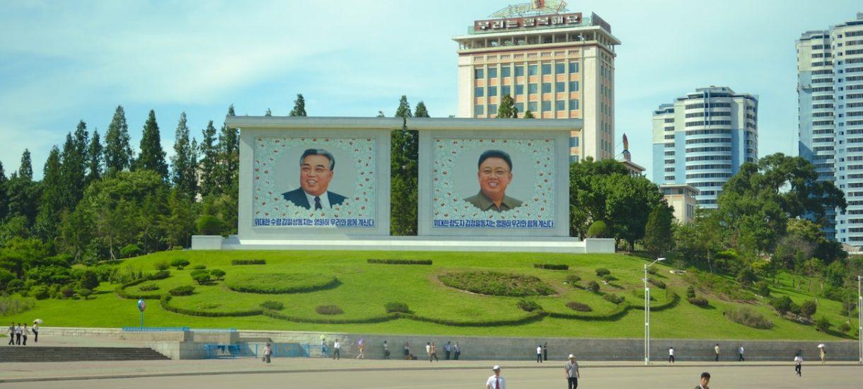 """""""Pozdro z KRLD"""" – Polak na YouTube robi świetną reklamę Korei Północnej. Czy naprawdę wypada reklamować reżim?"""