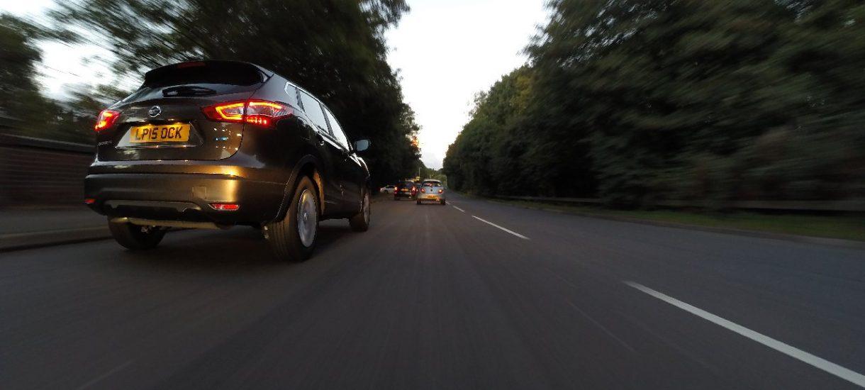 Nie zawsze stracimy prawo jazdy za spore przekroczenie prędkości – Trybunał Konstytucyjny wymusił zmianę w prawie