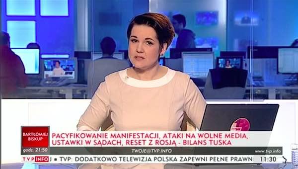 paski TVP - zły Tusk niszczył polską demokrację