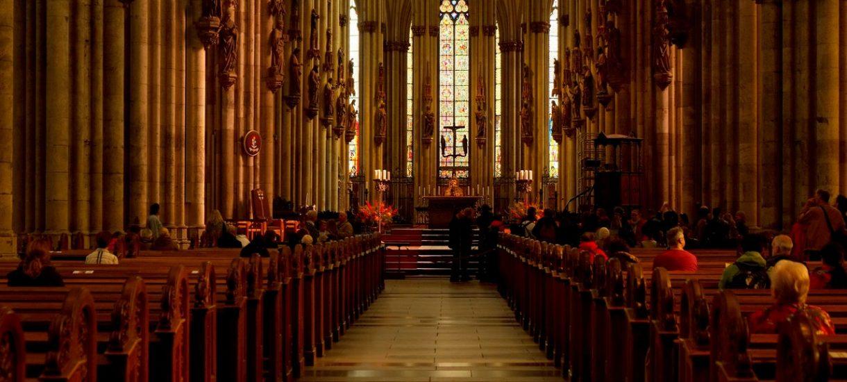 Emerytury tylko dla wierzących, czyli jak ZUS szkoli u o. Rydzyka za państwowe pieniądze