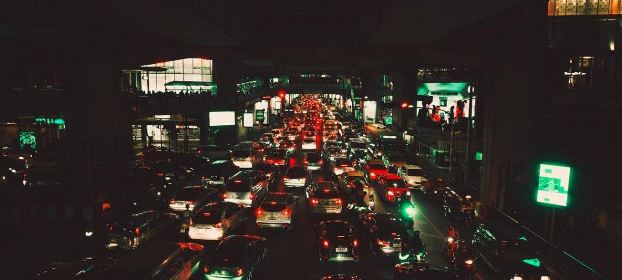 Rząd: niech kierowcy płacą 30 złotych za wjazd do miasta