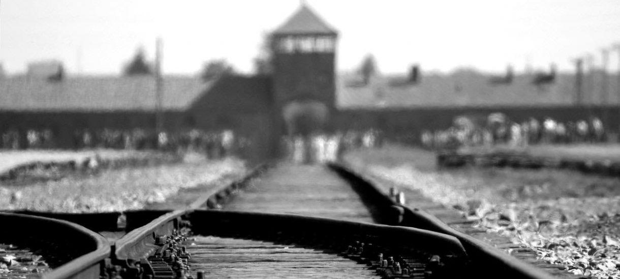 """Newsweek musi opublikować sprostowanie za pisanie o """"polskich obozach koncentracyjnych"""". Tylko czy aby na pewno słusznie?"""