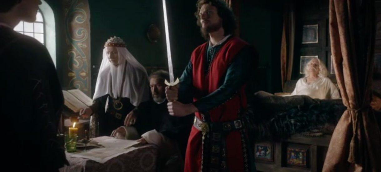 Korona królów nie będzie Grą o tron. Polityka historyczna po taniości jest bez sensu