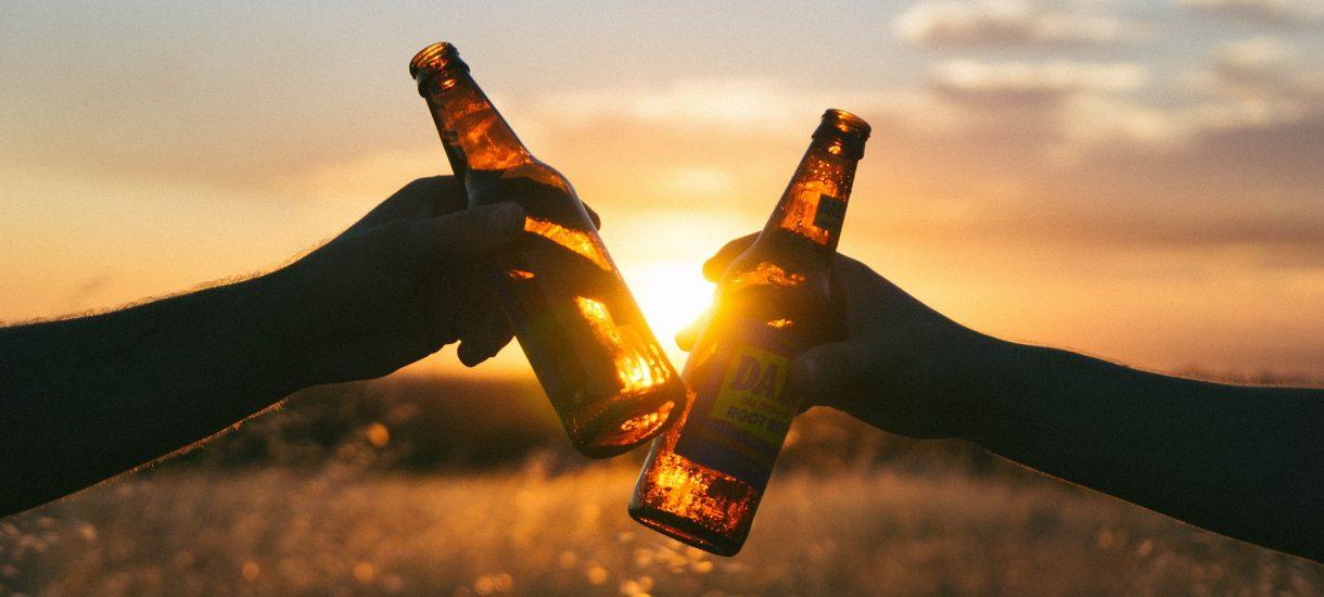 Piwa po 22 możesz już nie kupić. Co zmienia w praktyce nowa ustawa o wychowaniu w trzeźwości?