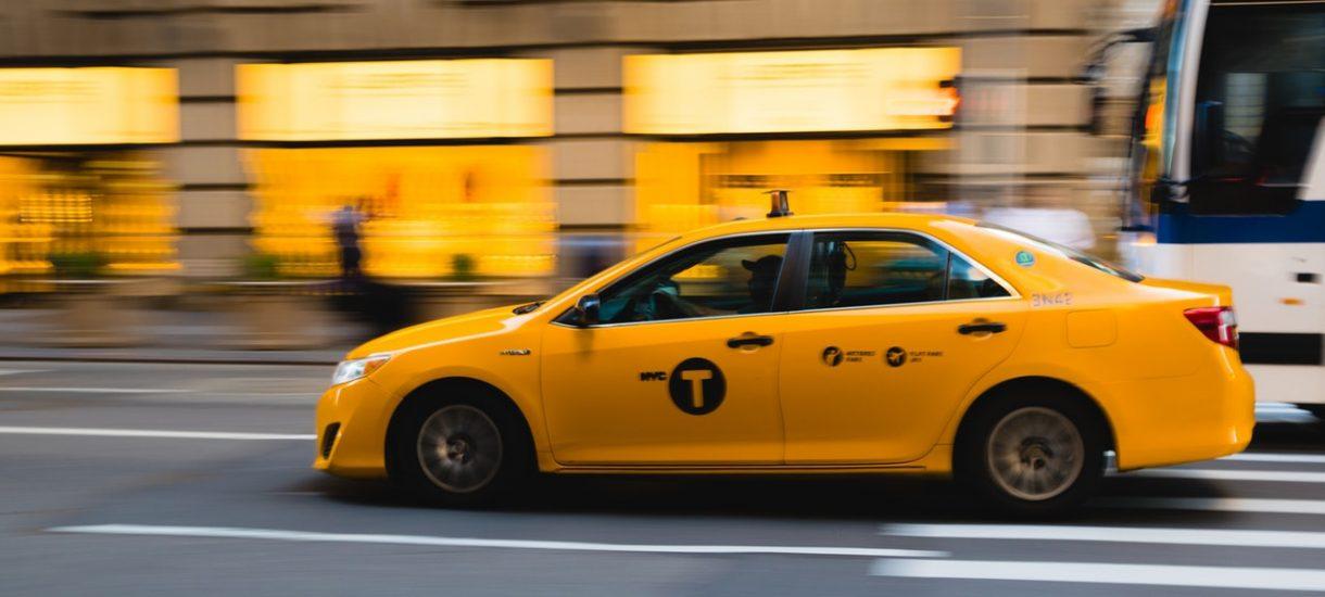Taksówkarz bez prawa jazdy? W Warszawie to wcale nie jest rzadkość