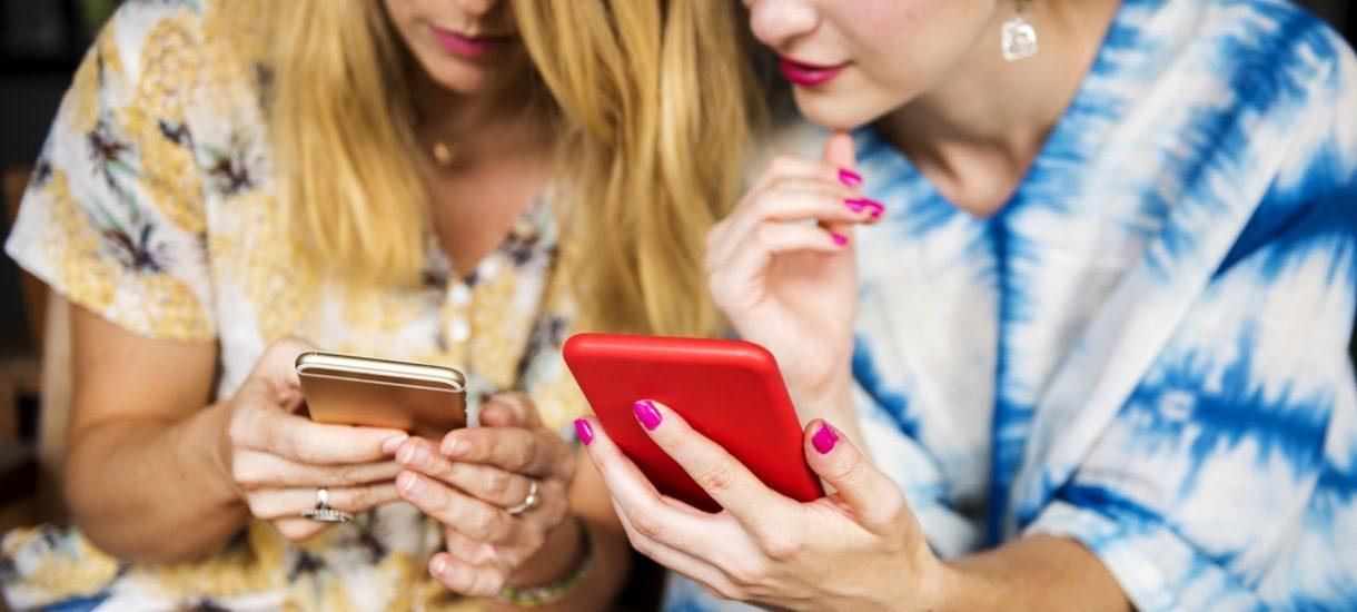 Cło i dodatkowe opłaty – czemu bezpieczniej jest kupić telefon Xiaomi w Polsce?