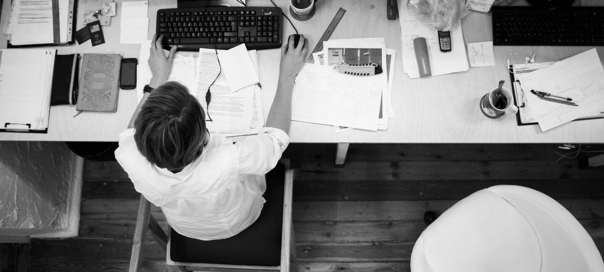Nowy kodeks pracy może zabrać Polakom długie weekendy – a to tylko wierzchołek góry lodowej
