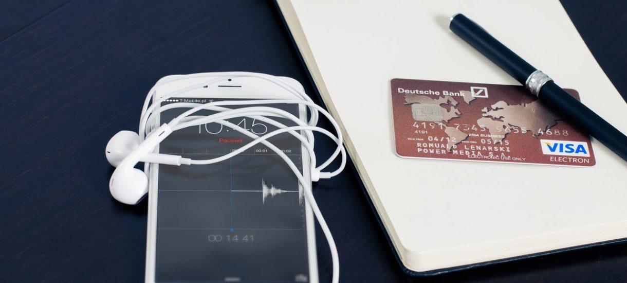 Revolut zaprezentował pierwszą kartę płatniczą dla paranoików. W tych czasach trzeba być trochęparanoikiem