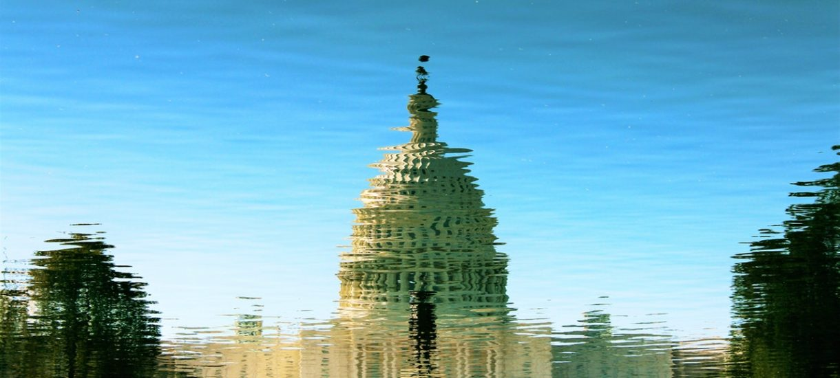 Ustawa 447 przyjęta przez amerykańską Izbę Reprezentantów, ale to chyba jeszcze nie katastrofa dla Polski