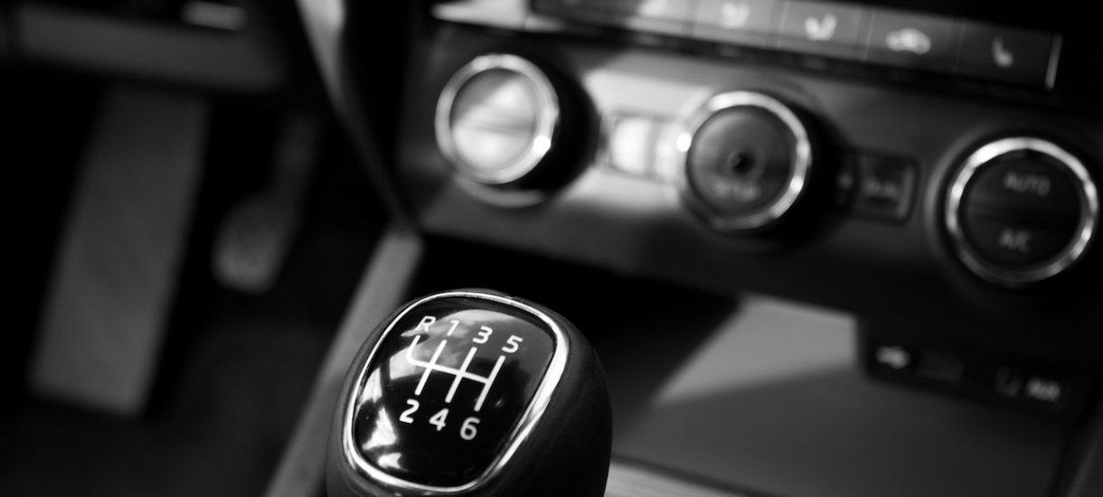 Pod pozorem dostosowania polskiego prawa do europejskiego, rząd ocenzuruje Ubera, a może także BlaBlaCar i wszystko, czego nie lubią taksówkarze