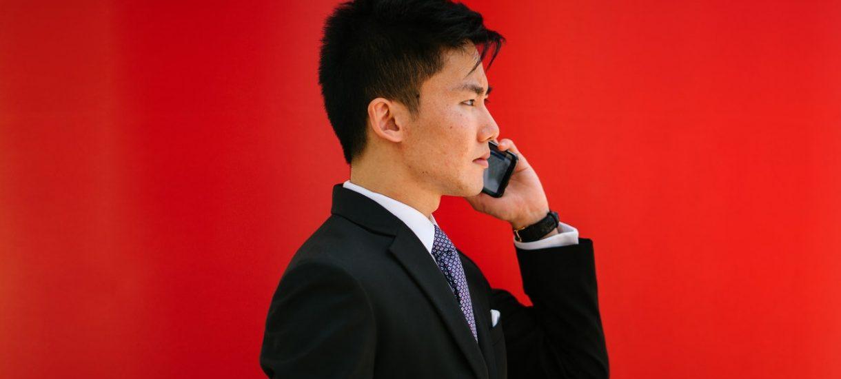 Ministerstwo woli dzwonić do przedsiębiorców, zamiast ukrócić oszustwa na wpis do lewych rejestrów działalności
