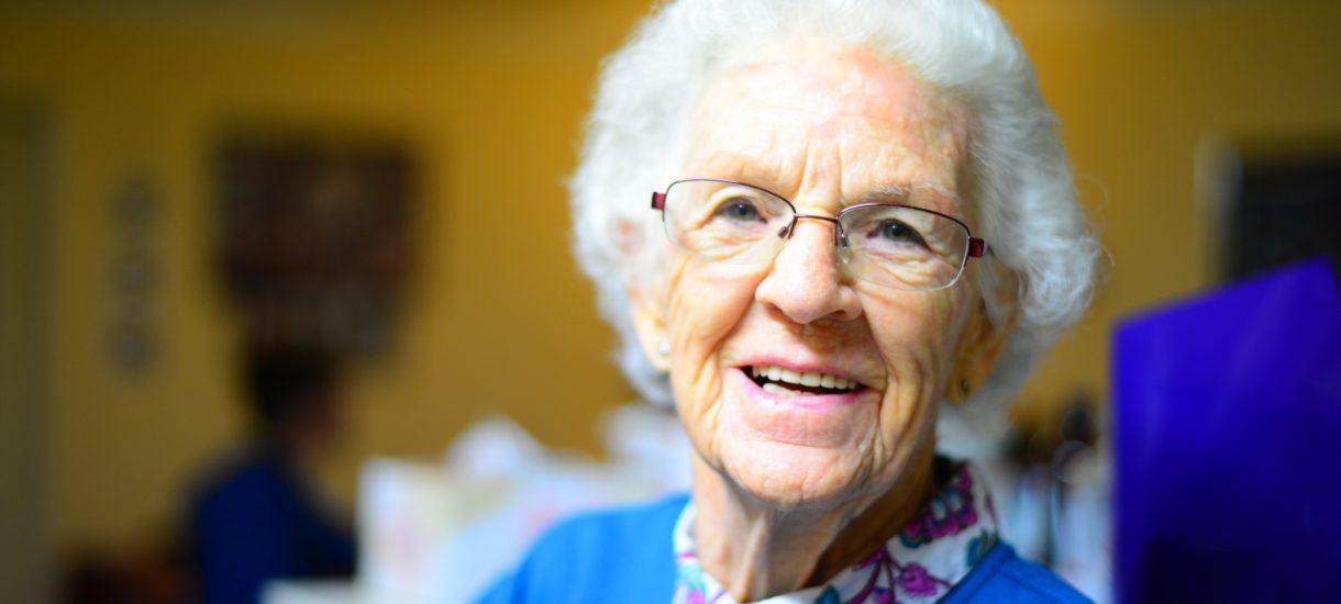 Nikt nie zabroni babci spotykać się z wnuczkiem! Trybunał właśnie wstawił się za dziadkami