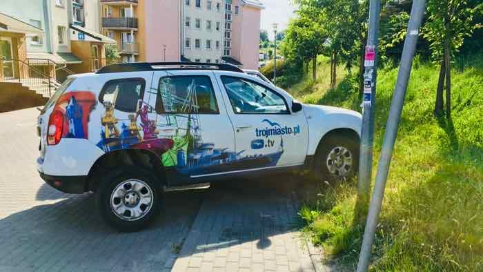złe parkowanie pojazdu portalu Trójmiasto.pl