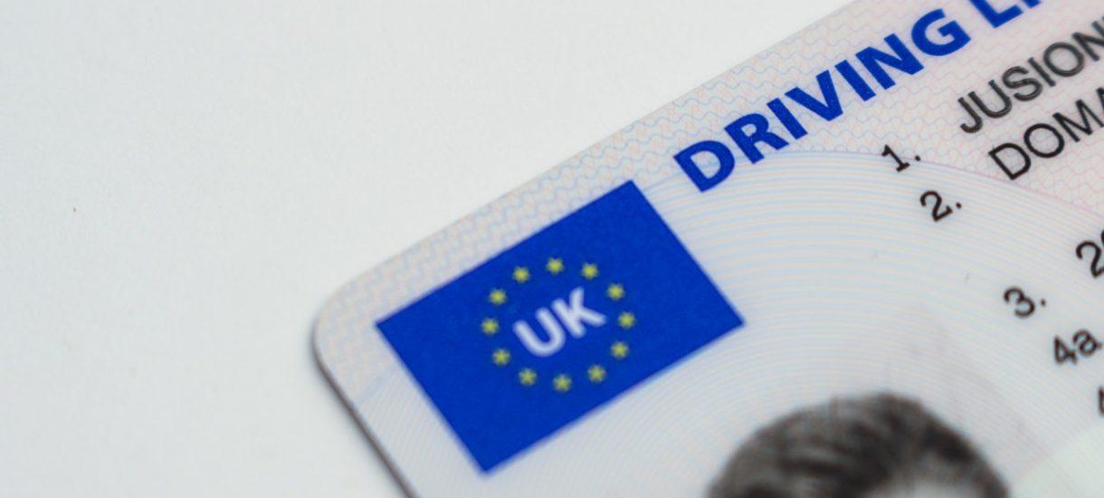 Czy można kupić legalnie prawo jazdy przez internet?