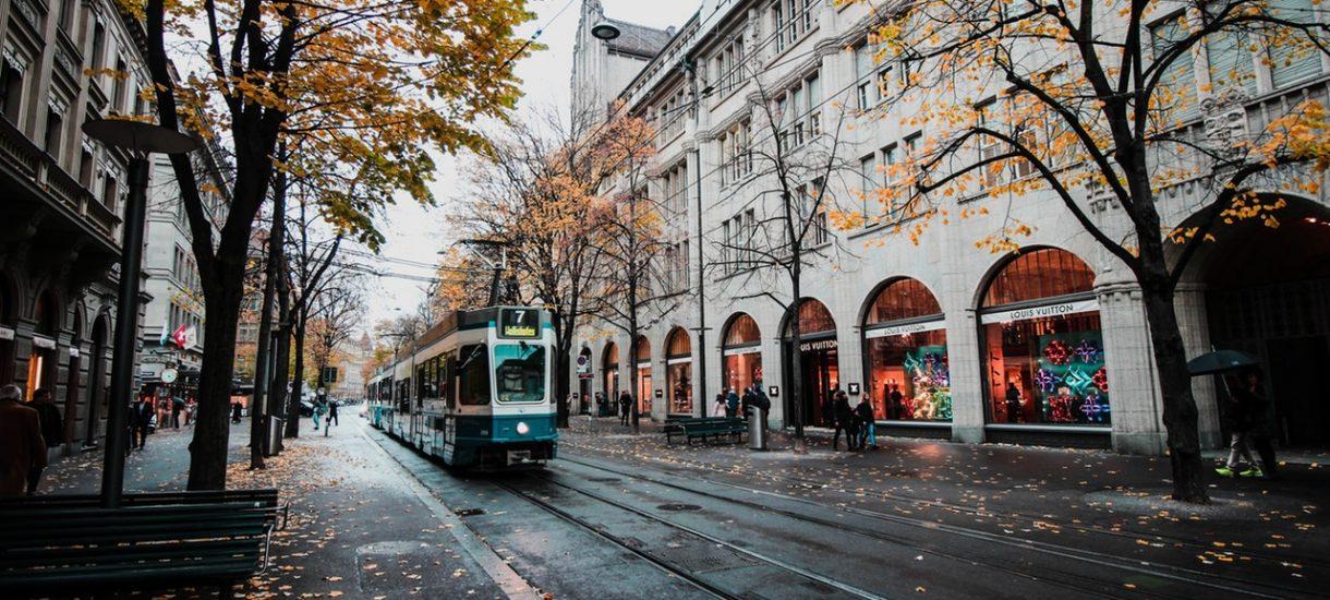 MPK Poznań pyta mieszkańców miasta – mamy wycofać tramwaj czy zakłócać ciszę nocną remontem torowiska?