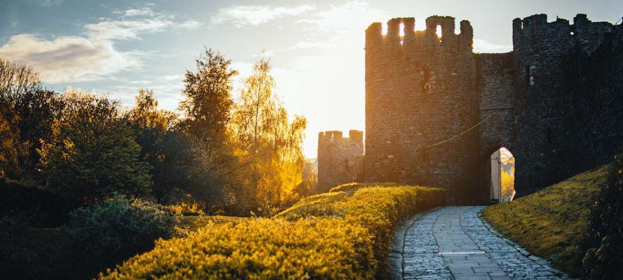 Zamek w Stobnicy wcale nie jest inwestycją Kulczyków. Wiemy, kto stoi za przedsięwzięciem