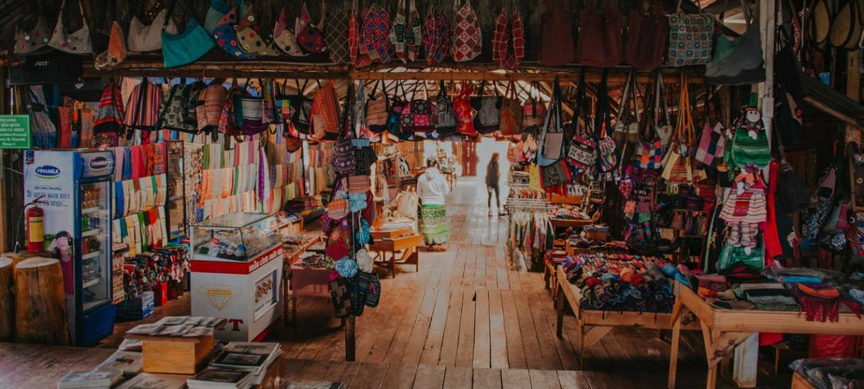 Osiedlowe sklepiki skarżą się, że bez oszukiwania w tym biznesie żaden zysk nie jest możliwy