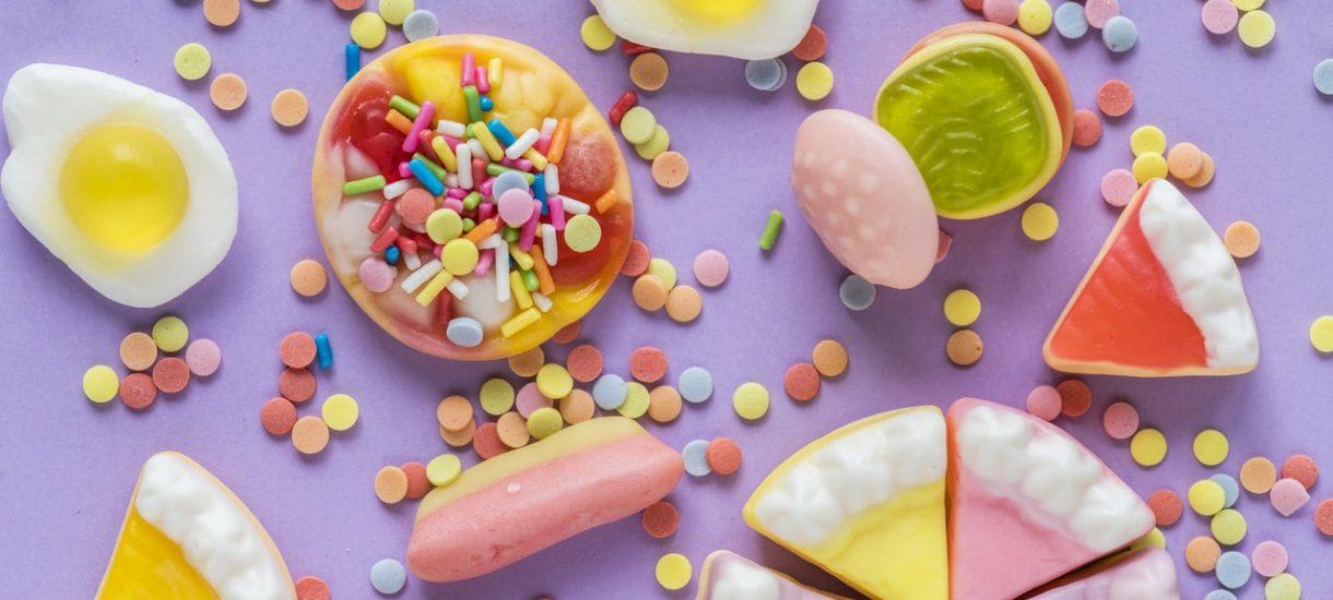 """""""Madki"""" z Facebooka zaatakowały dentystkę, która wyliczała jak bardzo cukier sprzyja powstawaniu próchnicy"""